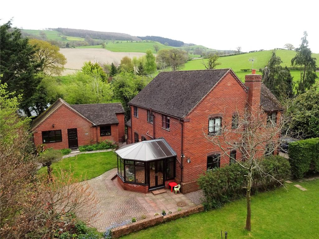 5 Bedrooms Detached House for sale in Buttington, Welshpool, Powys