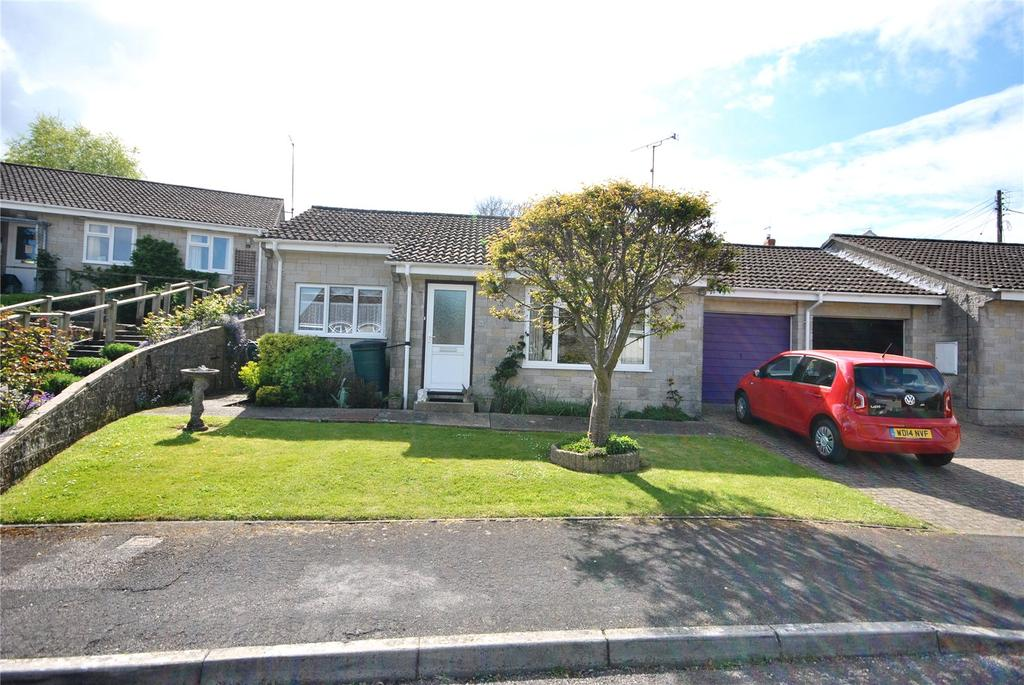 2 Bedrooms Bungalow for sale in Broadwell Close, Combe St. Nicholas, Chard, Somerset, TA20