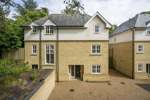 4 bedroom detached house to rent - Broadcroft, TUNBRIDGE WELLS