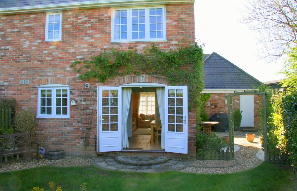 The spa holt 4 bed end of terrace house for sale 395 999 for Terrace house season 3