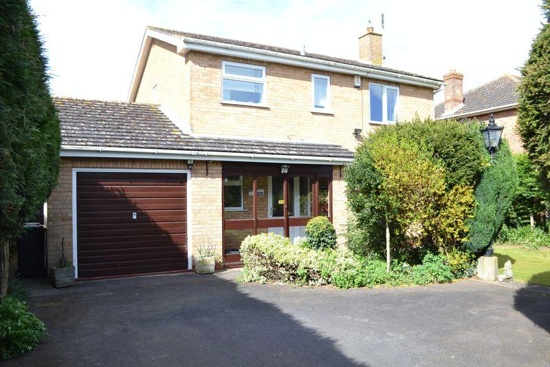 4 Bedrooms Detached House for sale in Station Road, Hibaldstow