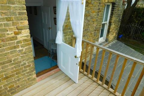 1 bedroom ground floor flat to rent - KS1512 - MARGATE SEAFRONT AREA - 1 Bedroom Ground Floor Balcony Flat - £550 pcm