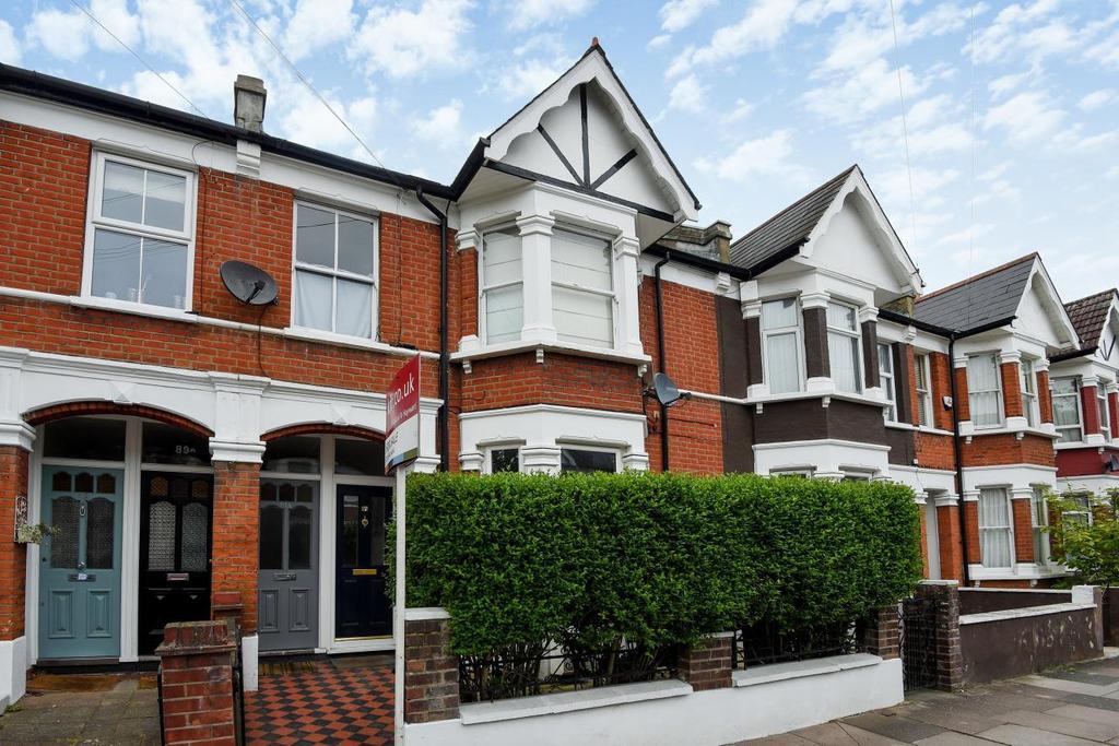 1 Bedroom Flat for sale in Ravensbury Road, Earlsfield, SW18