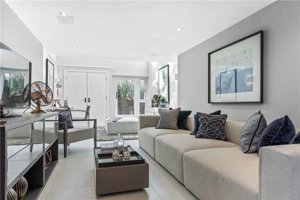 2 Bedrooms Flat for sale in Quarry Street, Guildford, Surrey, GU1