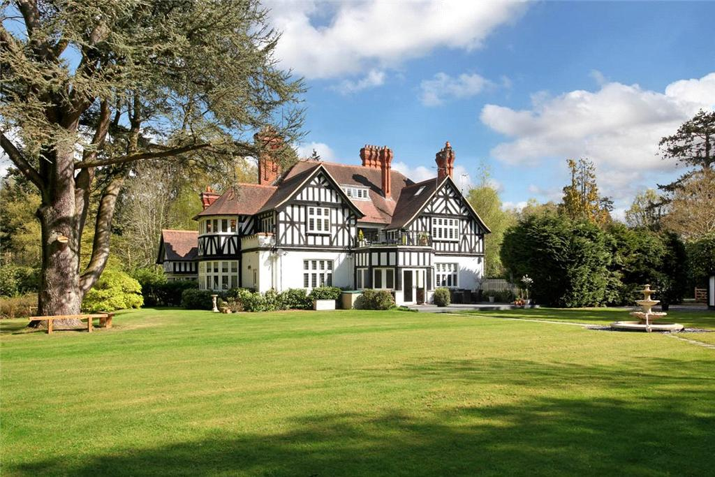 3 Bedrooms Flat for sale in New Place, London Road, Sunningdale, Ascot, SL5