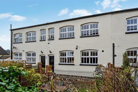 2 bedroom terraced house to rent - Victoria Street, St Albans