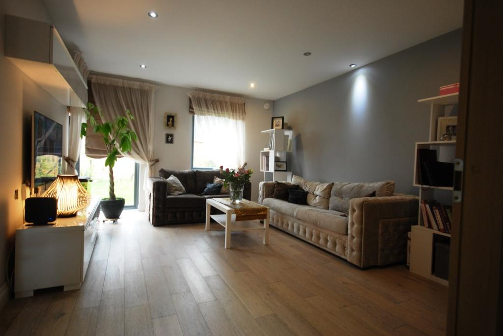 3 Bedrooms Terraced House for sale in Middleton Grove IG11