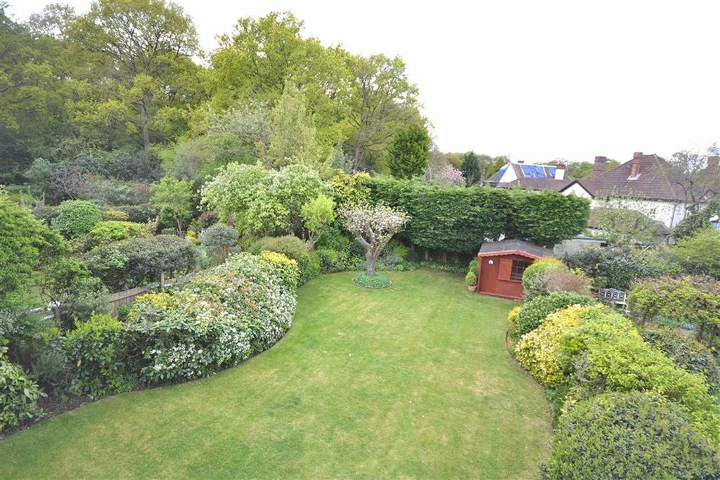 5 Bedrooms Detached House for sale in Forest Glade, North Weald, Essex, CM16