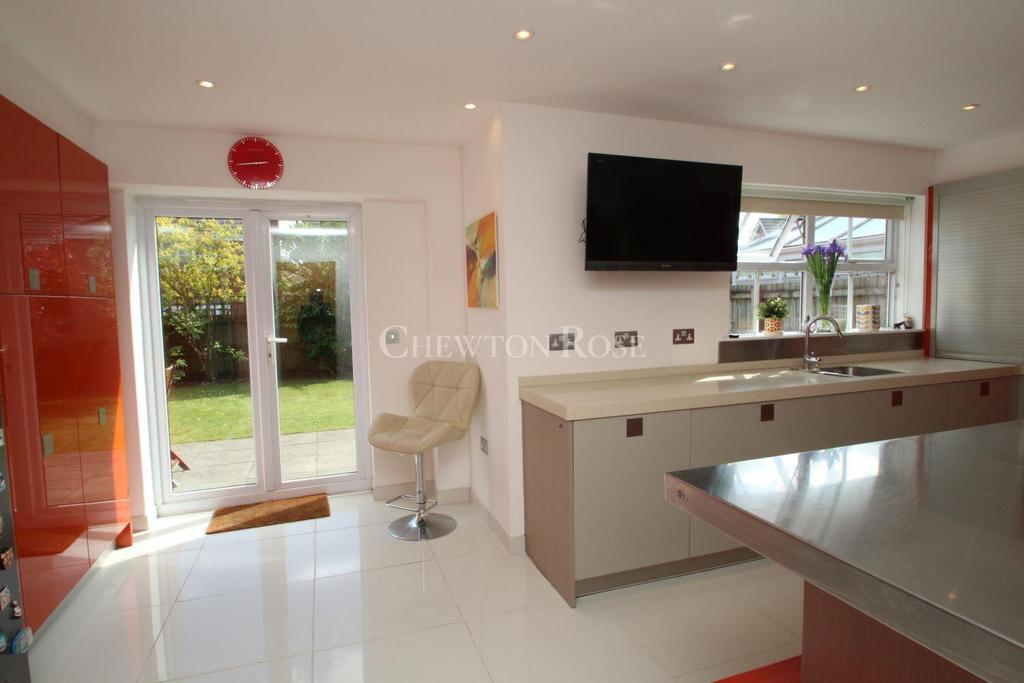 6 Bedrooms Detached House for sale in Whitchurch, Cardiff