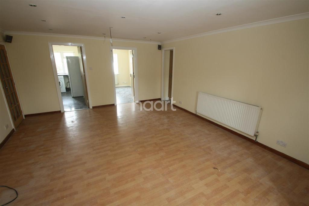 9 Bedrooms End Of Terrace House