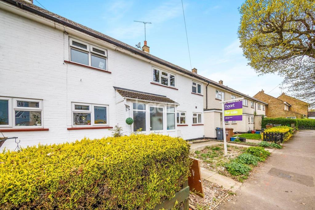 3 Bedrooms Terraced House for sale in Chells Way, Chells, Stevenage