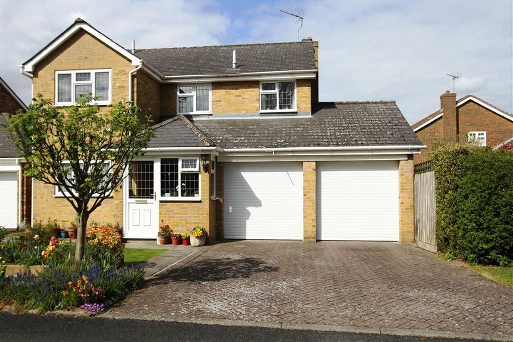 4 Bedrooms Detached House for sale in Cranmer Close, Billericay