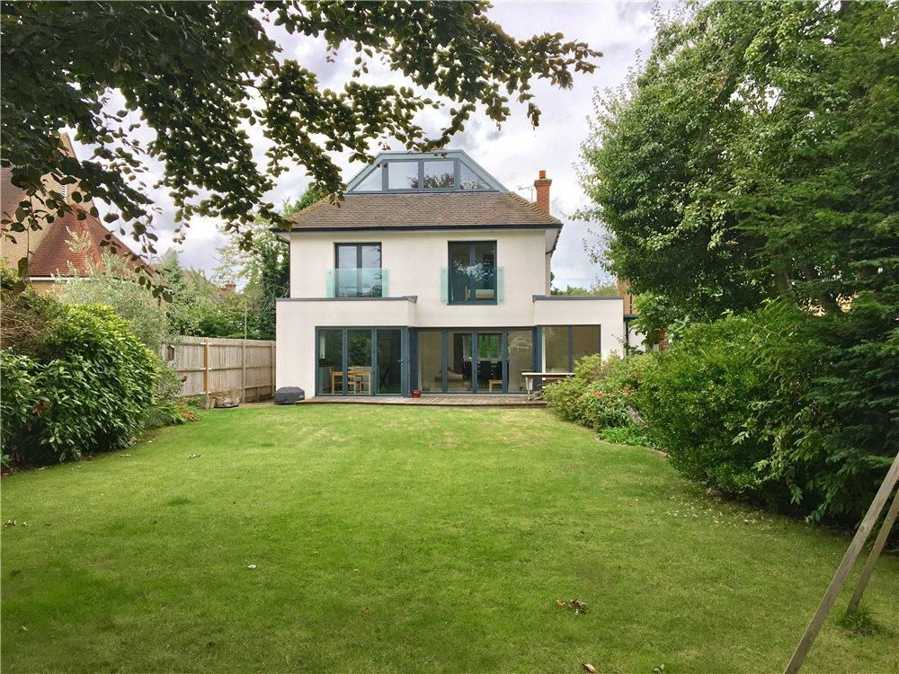 6 Bedrooms Detached House for sale in The Chestnuts, Walton-on-Thames, Surrey, KT12