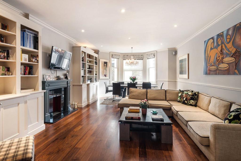 3 Bedrooms Flat for sale in Hale House, 34 De Vere Gardens, Kensington, London