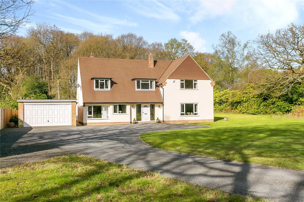 4 Bedrooms Detached House for sale in Dunsfold Road, Plaistow, Billingshurst, West Sussex