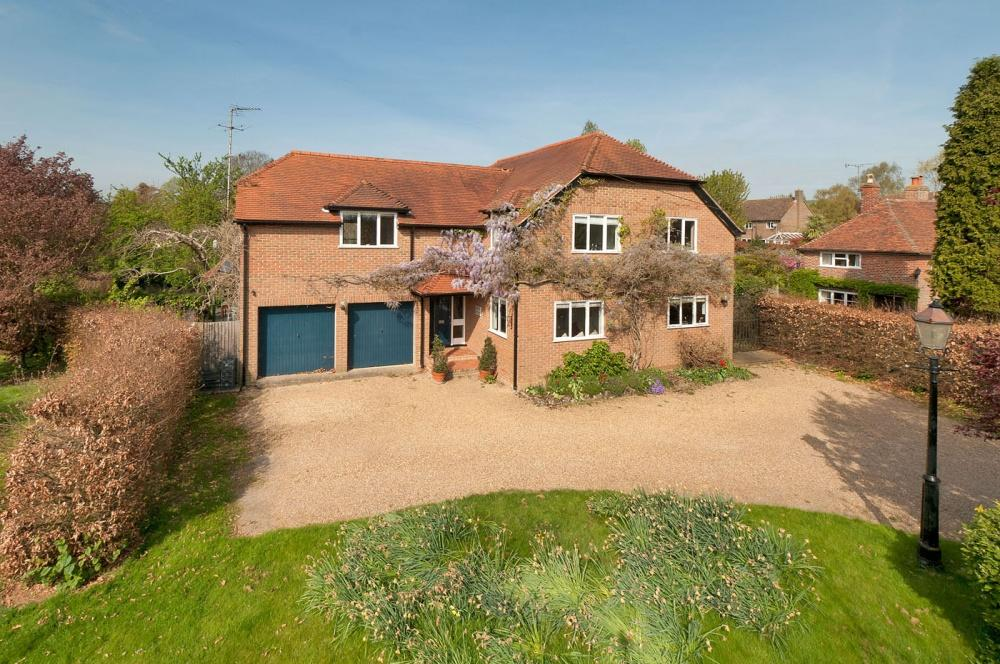 5 Bedrooms Detached House for sale in 24 Old Road, Wateringbury, ME18