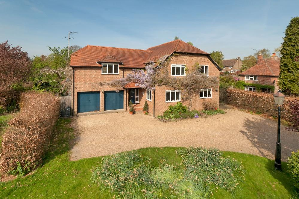 5 Bedrooms Detached House for sale in Old Road, Wateringbury, ME18