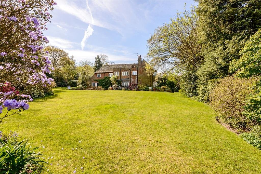 5 Bedrooms Detached House for sale in Tilford Road, Hindhead, Surrey