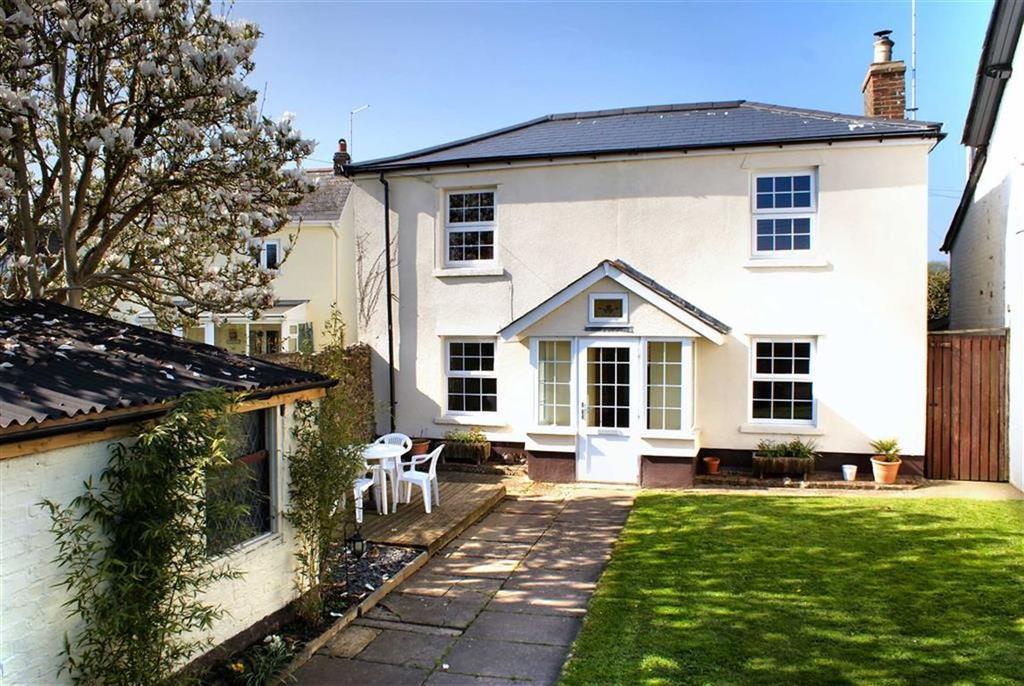 3 Bedrooms Detached House for sale in Fenny Bridges, Honiton, Devon, EX14