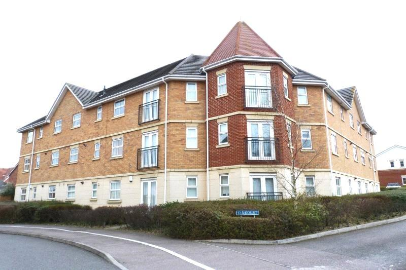 3 Bedrooms Apartment Flat for sale in Fir Court, Steeple View, Essex, SS15