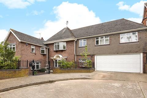 4 bedroom detached house to rent - Oakleigh Park Avenue Chislehurst BR7