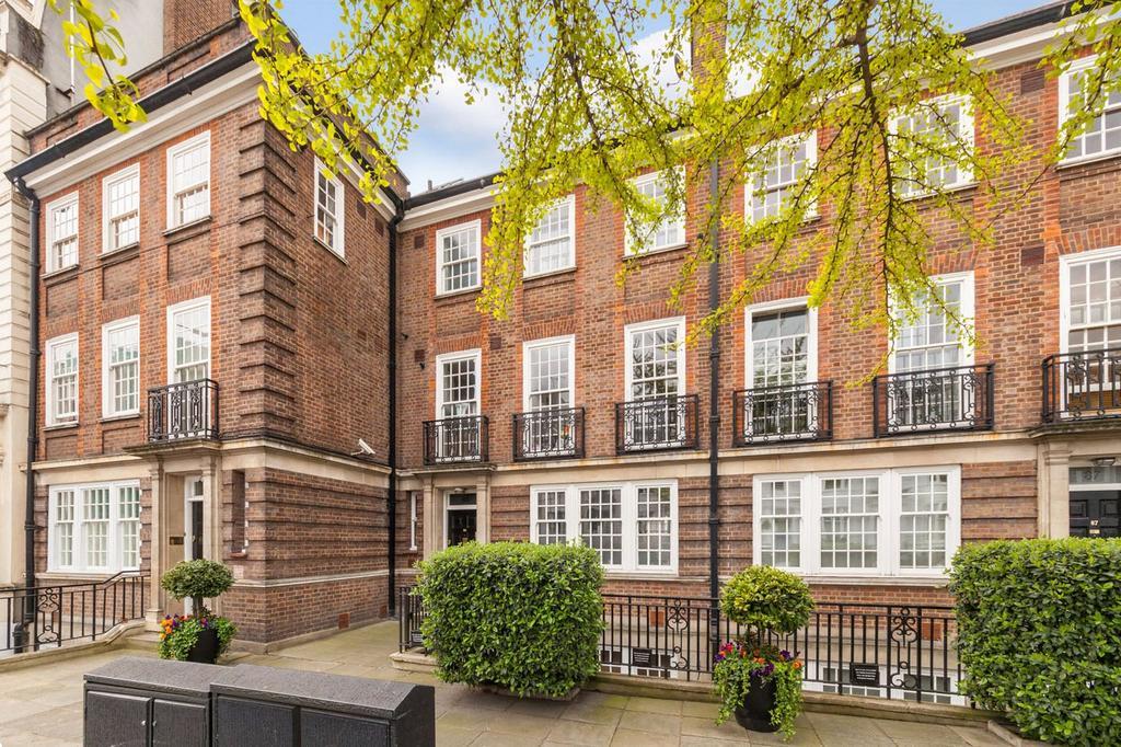 2 Bedrooms Flat for sale in Gloucester Terrace, London
