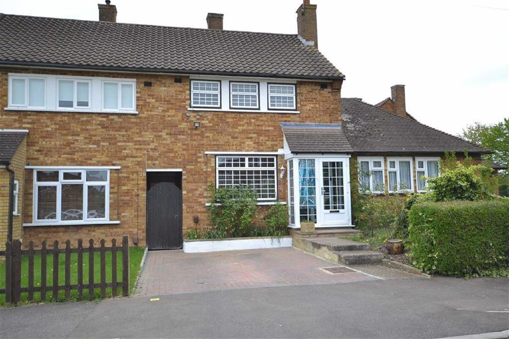 2 Bedrooms Terraced House for sale in Wentbridge Path, Borehamwood