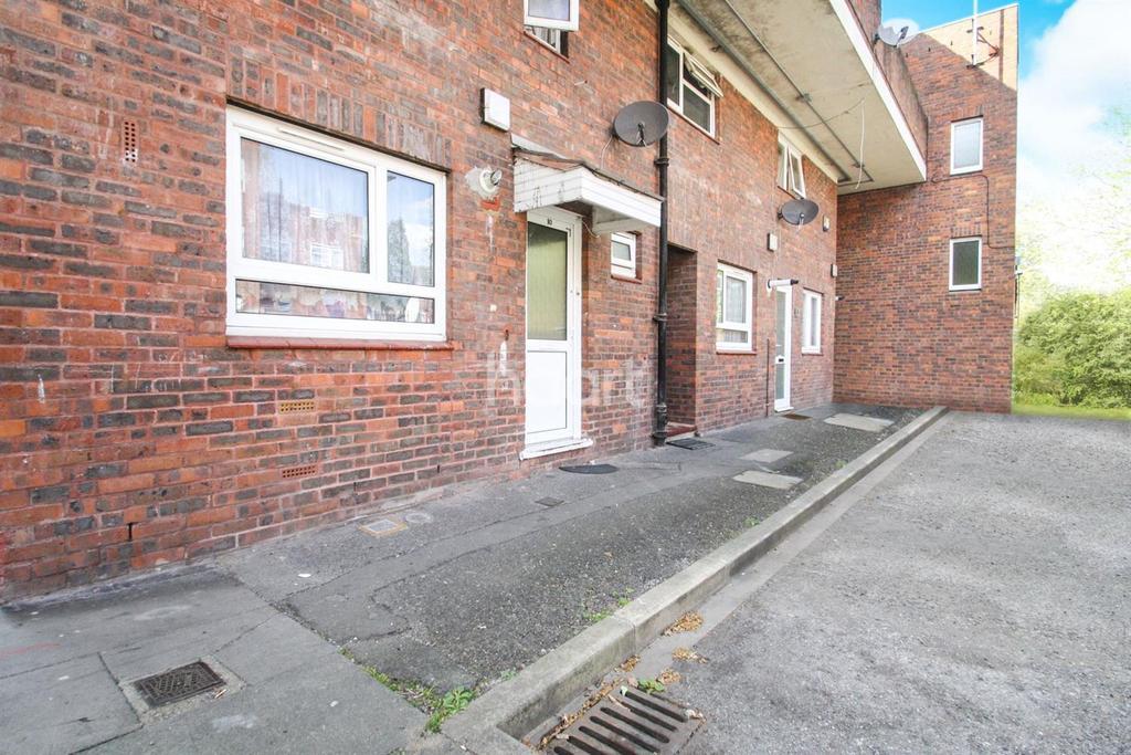 3 Bedrooms Maisonette Flat for sale in Northolt