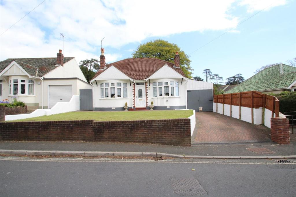 2 Bedrooms Bungalow for sale in Teignmouth Road, Torquay