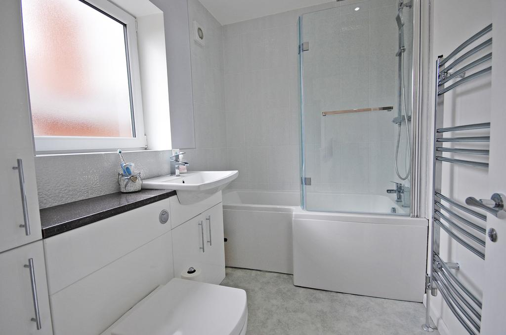 3 Bedrooms Semi Detached House for sale in Davenport Road, Tettenhall, Wolverhampton WV6