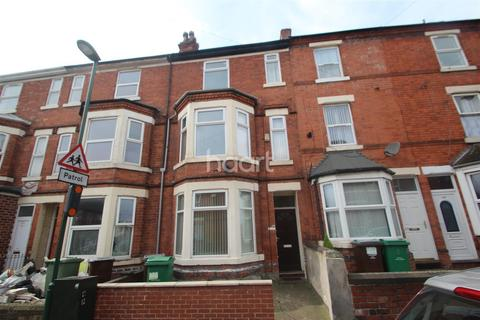 4 bedroom terraced house to rent - Burford Road, NG7