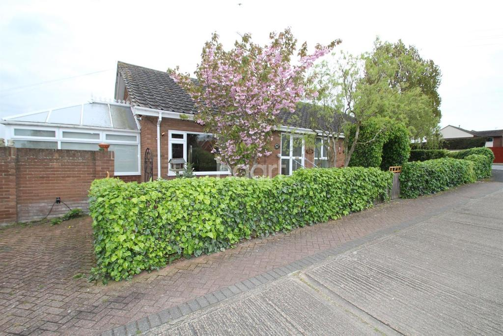 4 Bedrooms Bungalow for sale in Point Clear, St Osyth