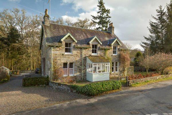 4 Bedrooms Detached House for sale in Dundarave, Strathtay, Pitlochry, Perthshire, PH9