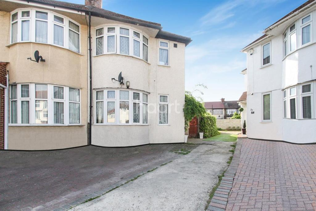3 Bedrooms End Of Terrace House for sale in Southall