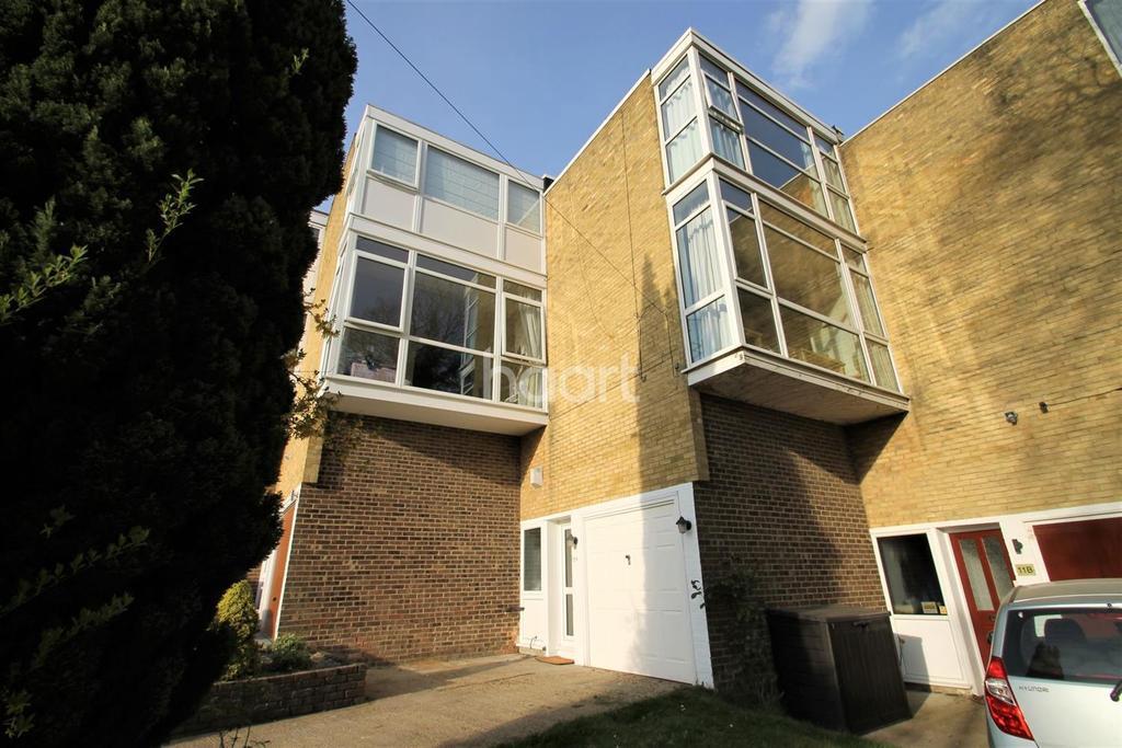 3 Bedrooms Terraced House for sale in Sunningvale Avenue, Biggin Hill