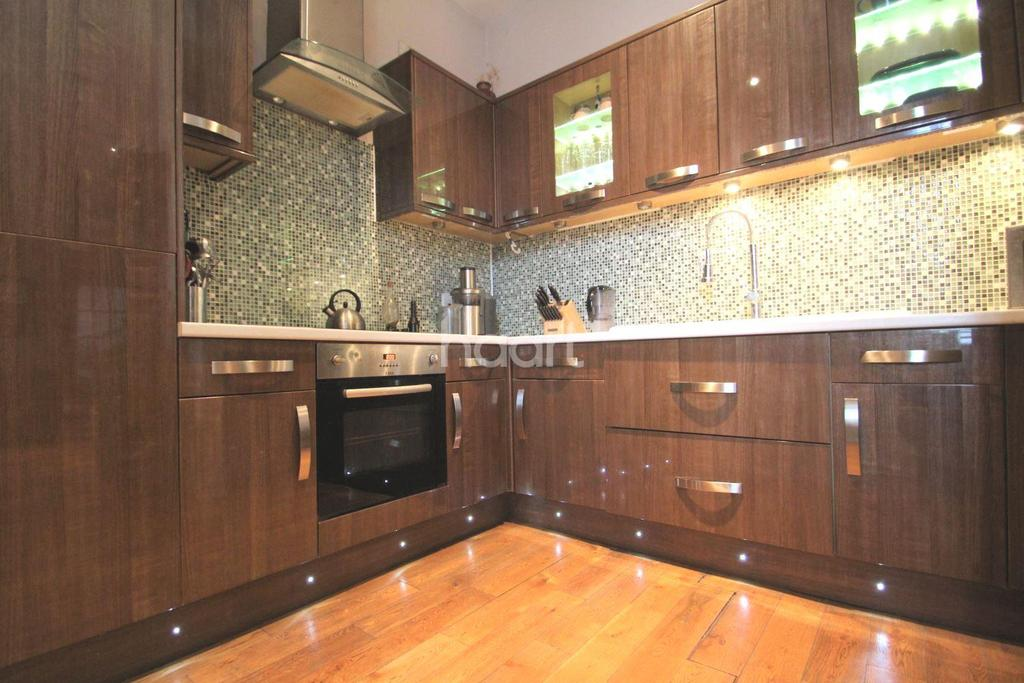 1 Bedroom Flat for sale in Spectacle Works, Jedburgh Road, Plaistow