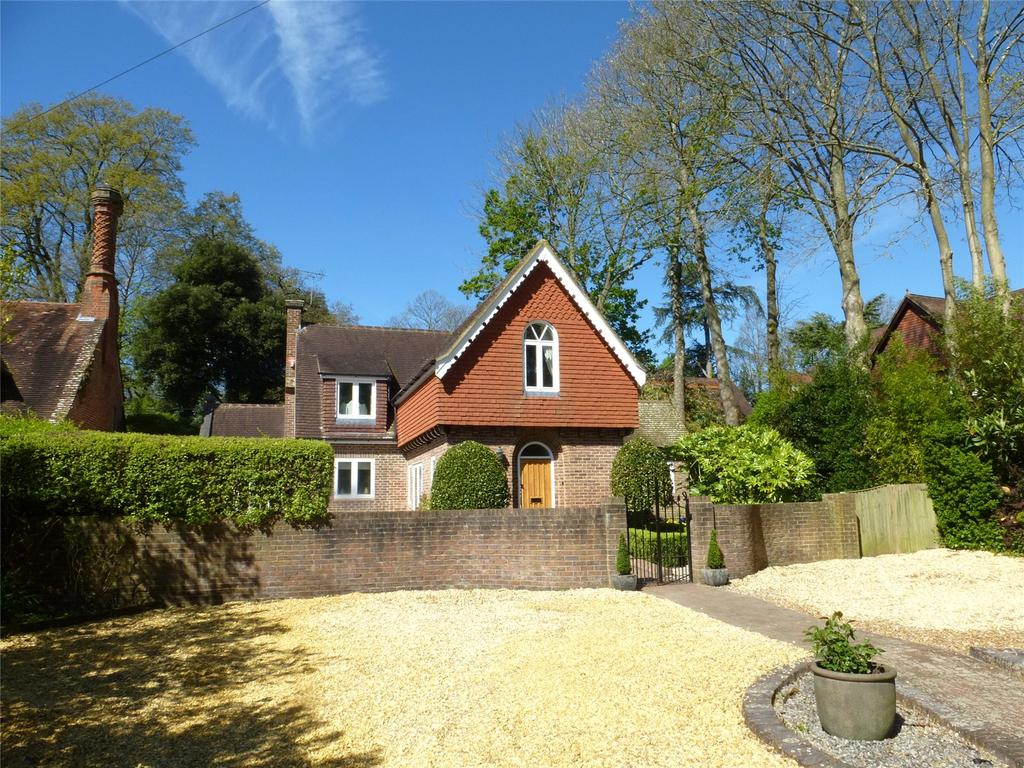 5 Bedrooms Detached House for sale in Hursley, Hampshire, SO21