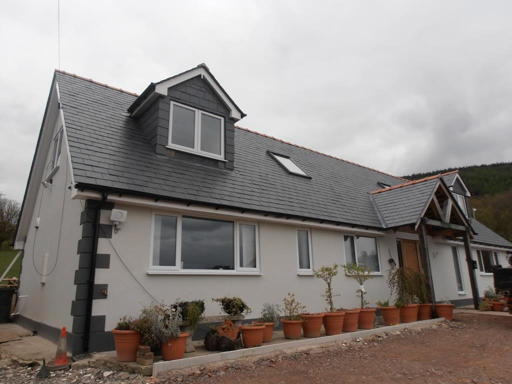4 Bedrooms Detached Bungalow for sale in Werfa, Abernant, Aberdare