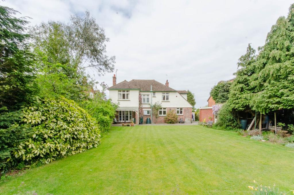4 Bedrooms Detached House for sale in Conway Road, Maidstone, Kent