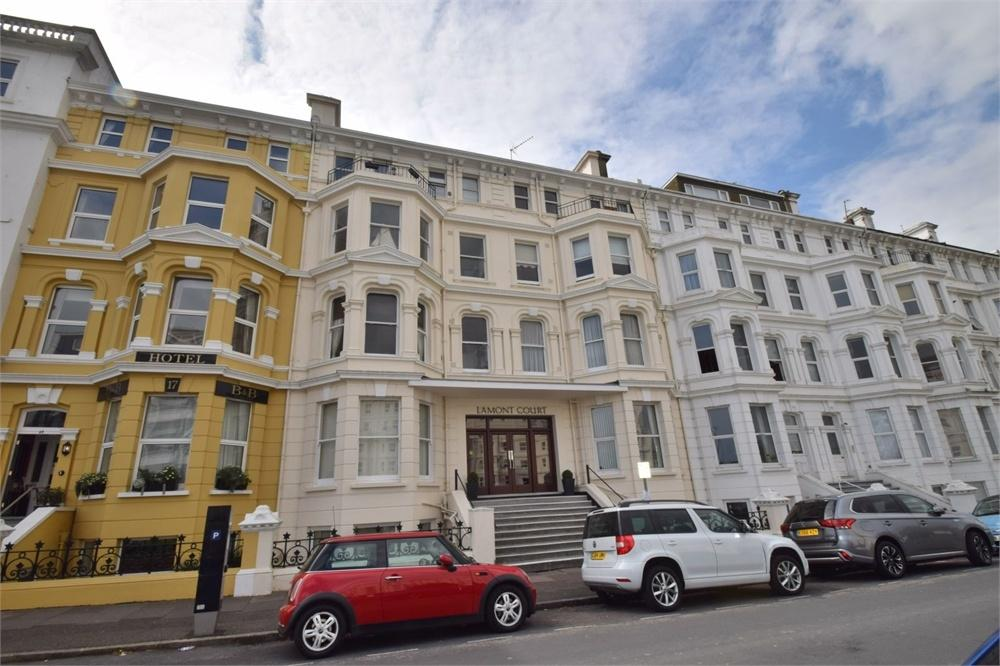 2 Bedrooms Flat for sale in Wilmington Square, West Town Centre, East Sussex