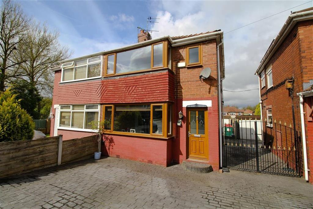 2 Bedrooms Semi Detached House for sale in Tennyson Road, Reddish, Stockport