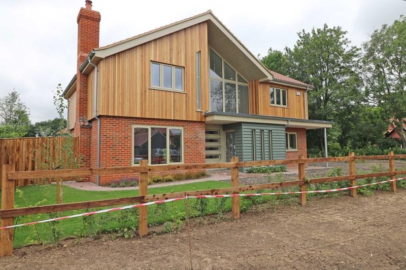 4 Bedrooms Detached House for sale in Long Street, Great Ellingham, Attleborough