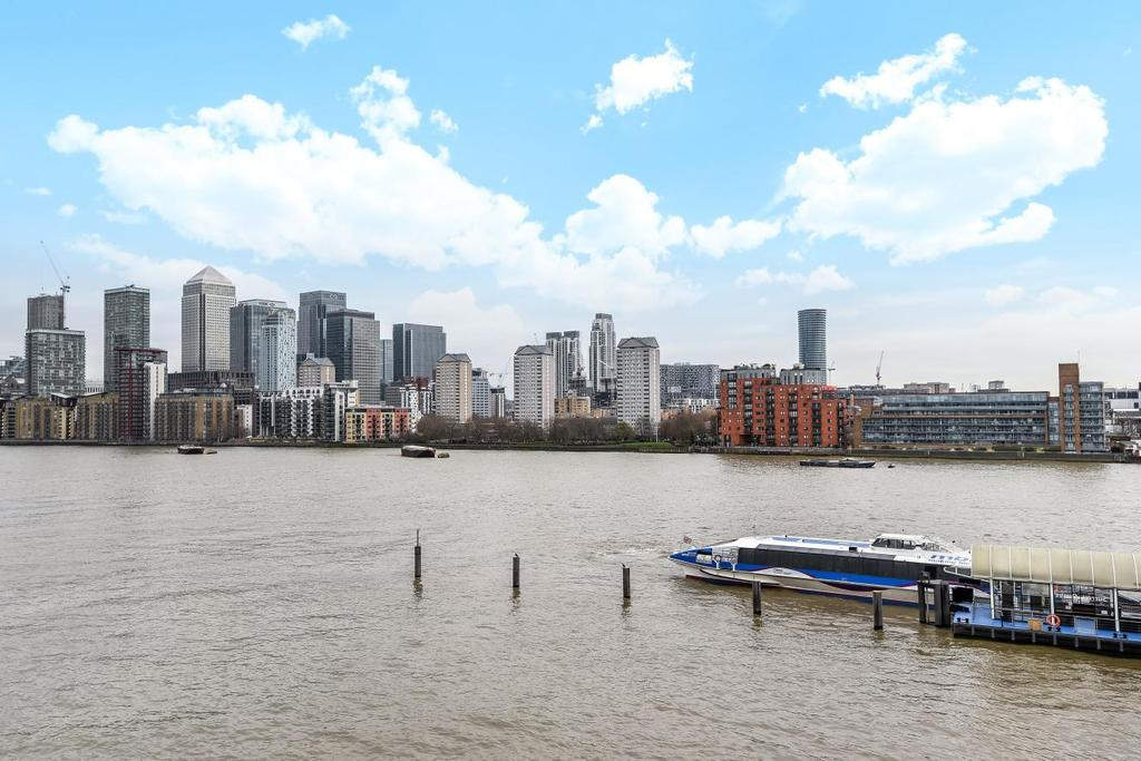 3 Bedrooms Flat for sale in Princes Court, Surrey Quays, SE16
