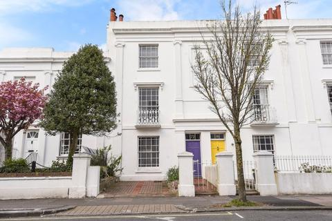 2 bedroom terraced house for sale - Upper North Street Brighton East Sussex BN1