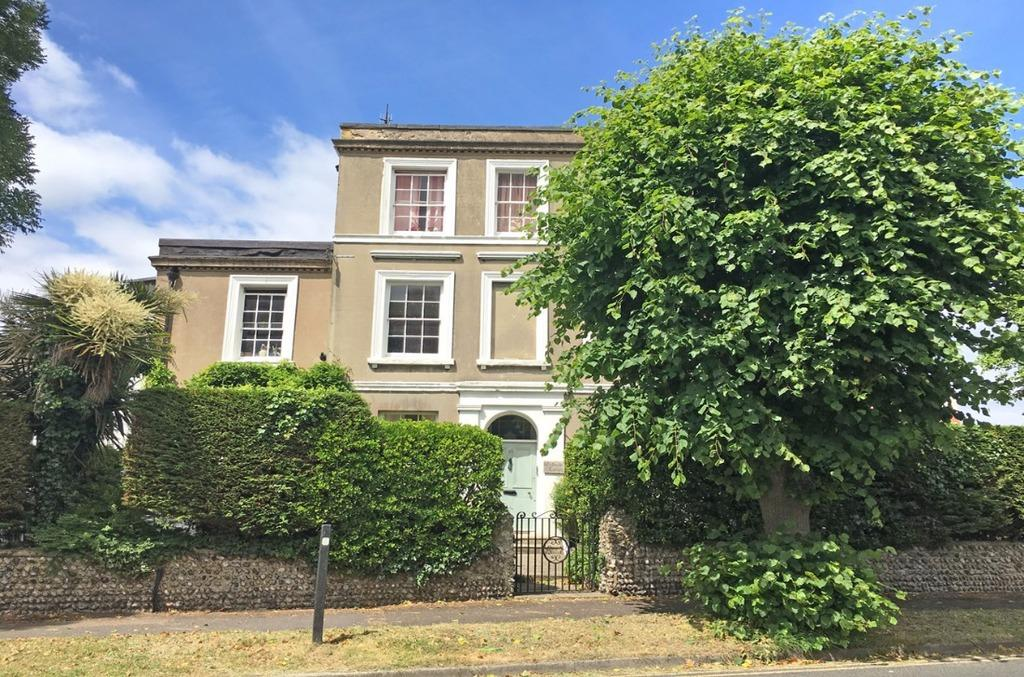 4 Bedrooms Semi Detached House for sale in Southdown Road Shoreham-by-Sea West Sussex BN43