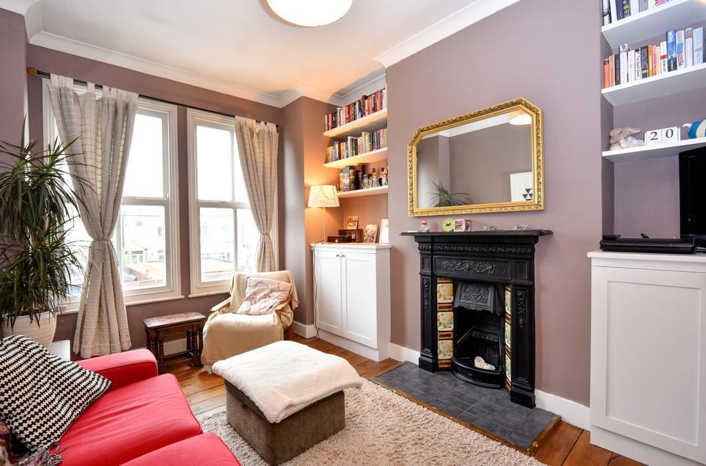 2 Bedrooms Maisonette Flat for sale in Blandford Road Beckenham BR3