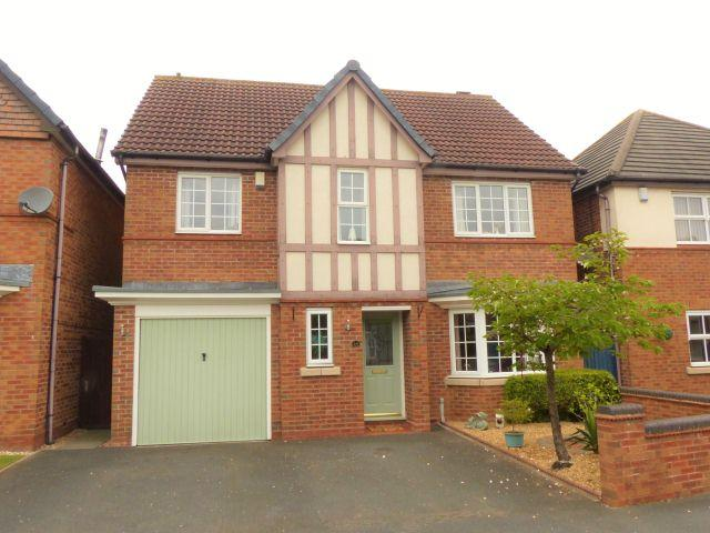 5 Bedrooms Detached House for sale in Holmbridge Grove,Shelfield,Walsall