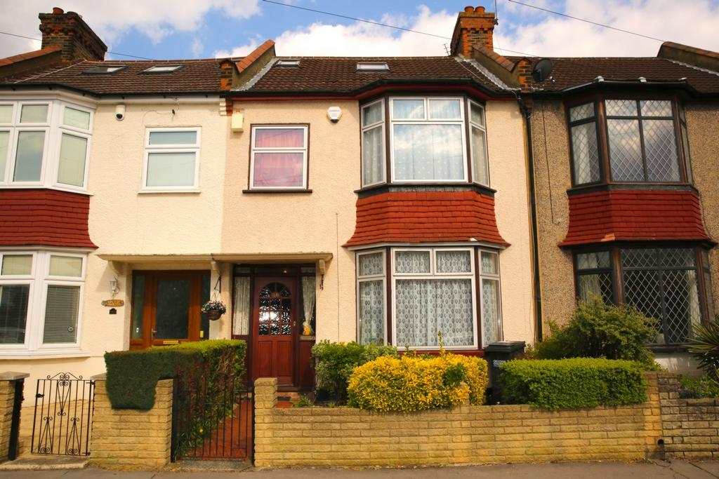 4 Bedrooms Terraced House for sale in Addiscombe Avenue, Addiscombe, CR0