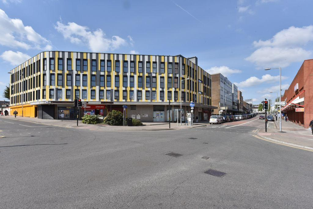 1 Bedroom Apartment Flat for sale in Park Crescent Development, Luton, LU1
