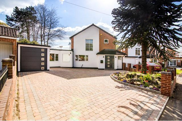 3 Bedrooms Detached House for sale in Astor Road,Streetly,Sutton Coldfield